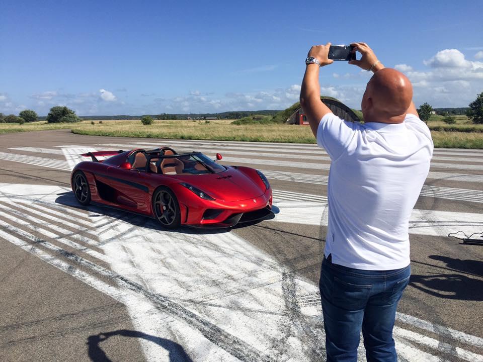 Koenigsegg Regera doing a burnout