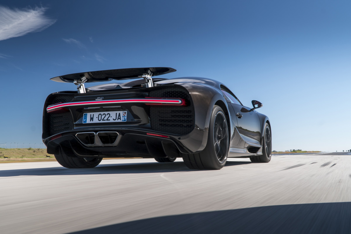 watch as the bugatti chiron rockets from 0 200mph in 16 seconds. Cars Review. Best American Auto & Cars Review