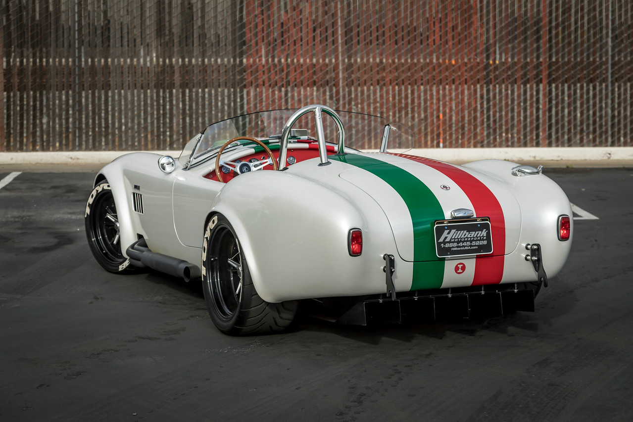 Superformance MkIII Cobra Sets Top Speed Record Of 201.1 MPH