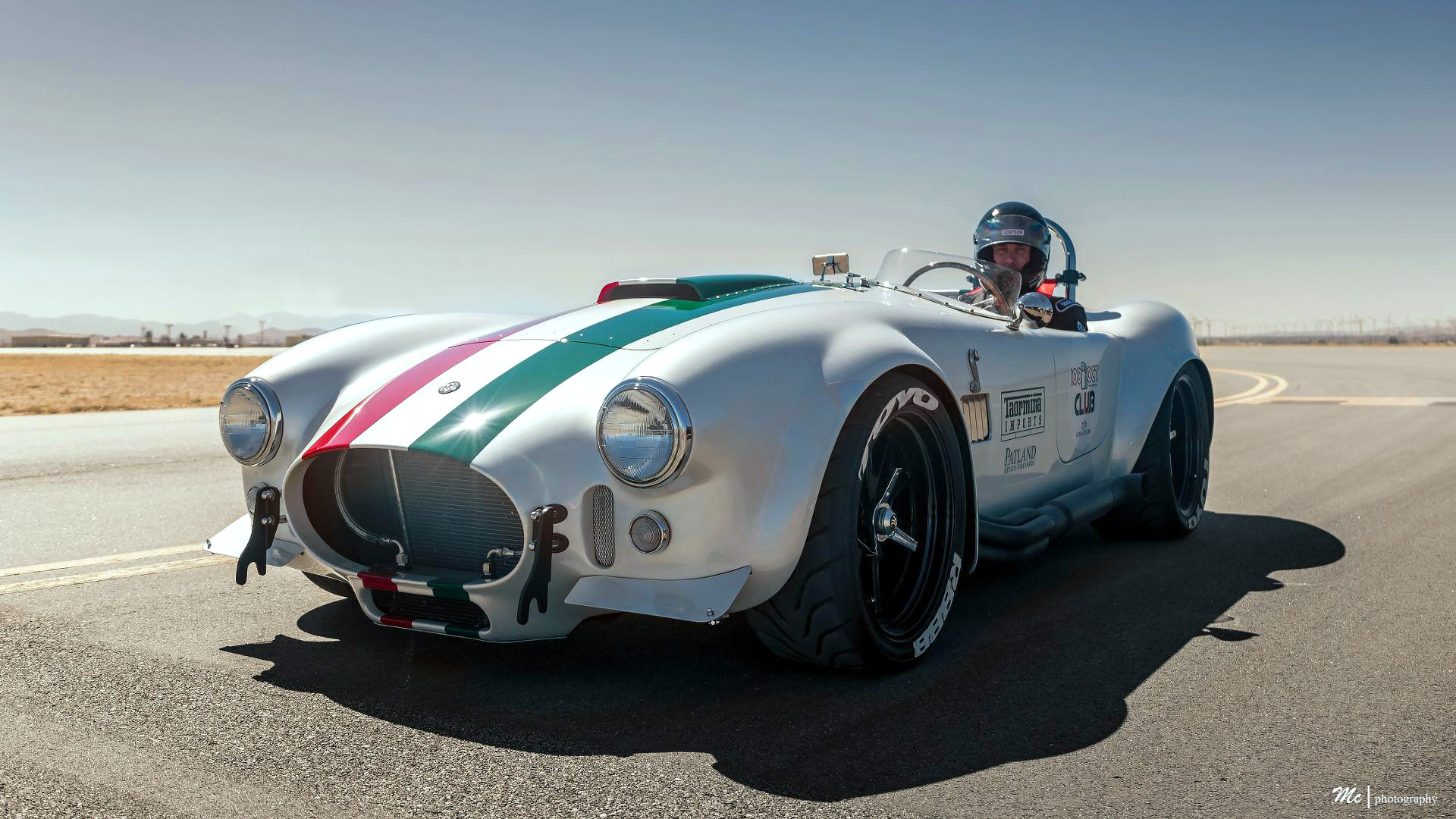 Dick Smith Chevrolet >> Superformance MkIII Cobra Sets Top Speed Record Of 201.1 MPH