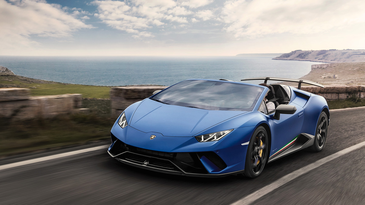 the lamborghini hurac n performante spyder is one seriously fast roadster. Black Bedroom Furniture Sets. Home Design Ideas