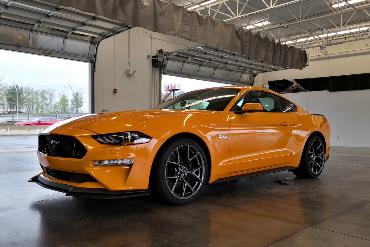 track day with the 2018 ford mustang gt performance pack 2. Black Bedroom Furniture Sets. Home Design Ideas