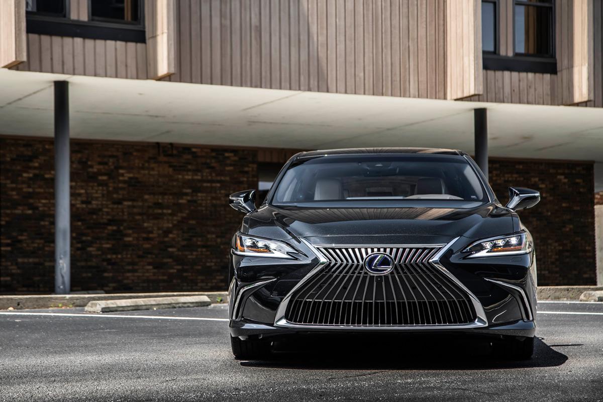 first drive  2019 lexus es 350    es 350 f sport