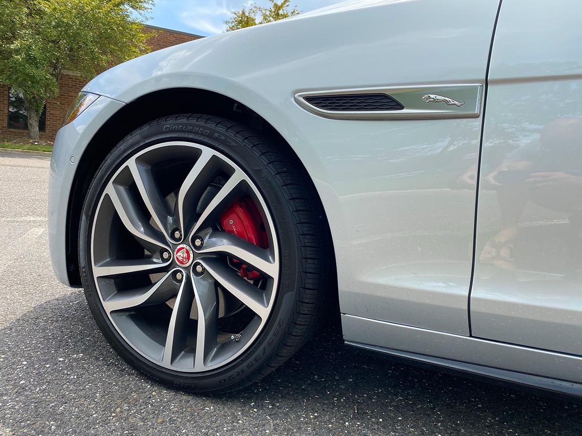 2021 Jaguar XF P300 R-Dynamic SE wheels